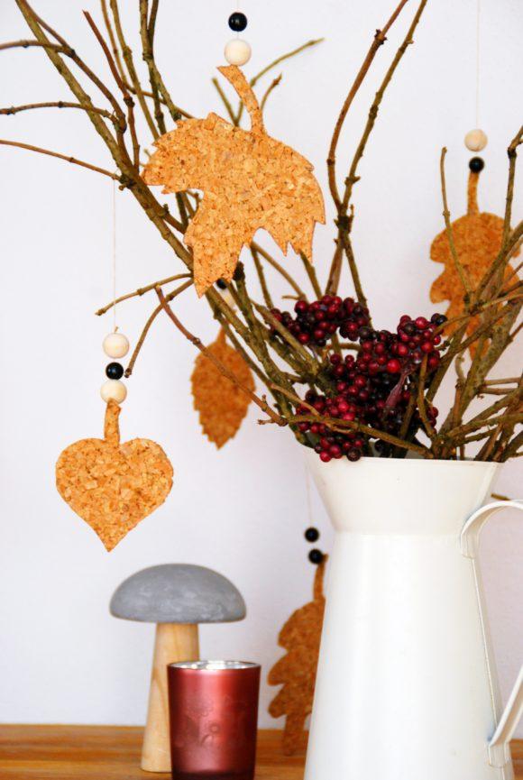 [Herbst-DIY] Blätter aus Kork und Papp-Drachen
