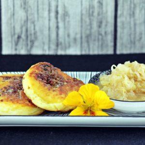 Kartoffelrolle mit Faschiertem und Sauerkraut