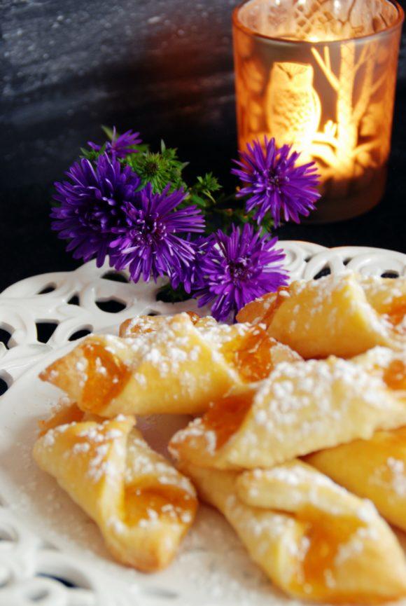Marmeladestangerl aus Topfenteig