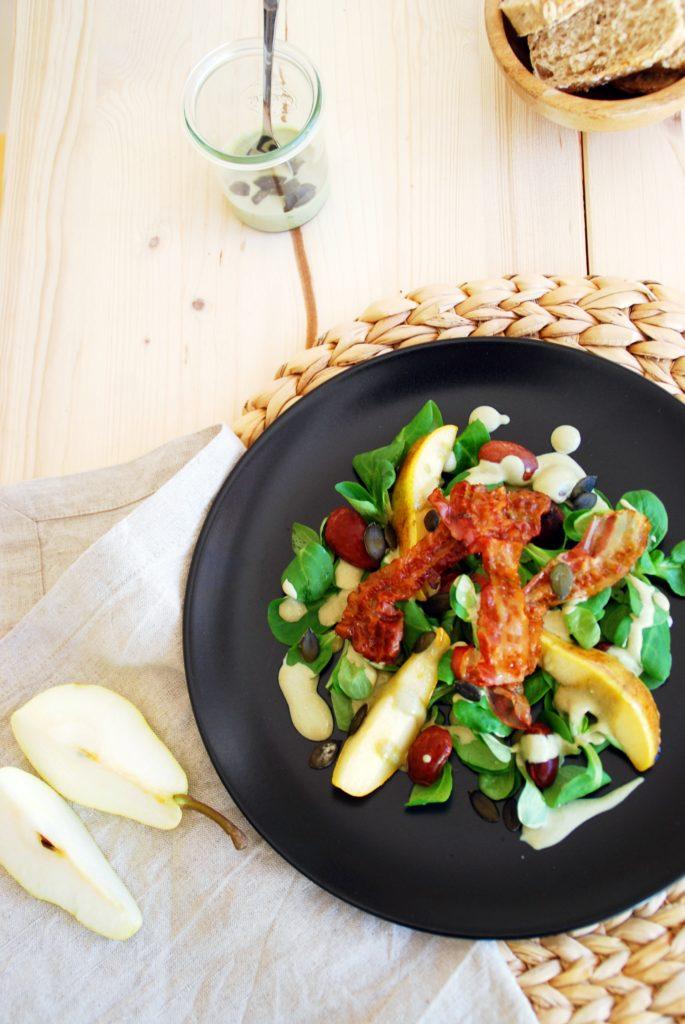 Vogerlsalat mit karamellisierten Birnen