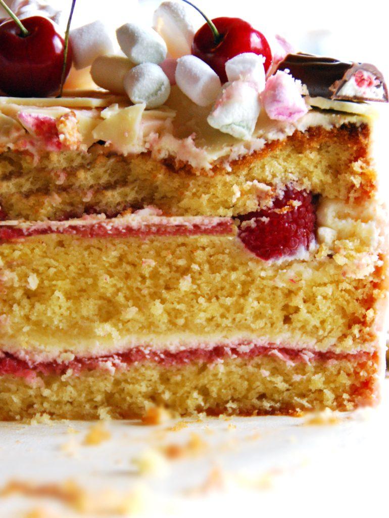 Himbeer Mascarpone Drip Cake